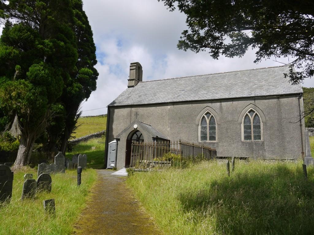 Ysbyty Cynfryn church