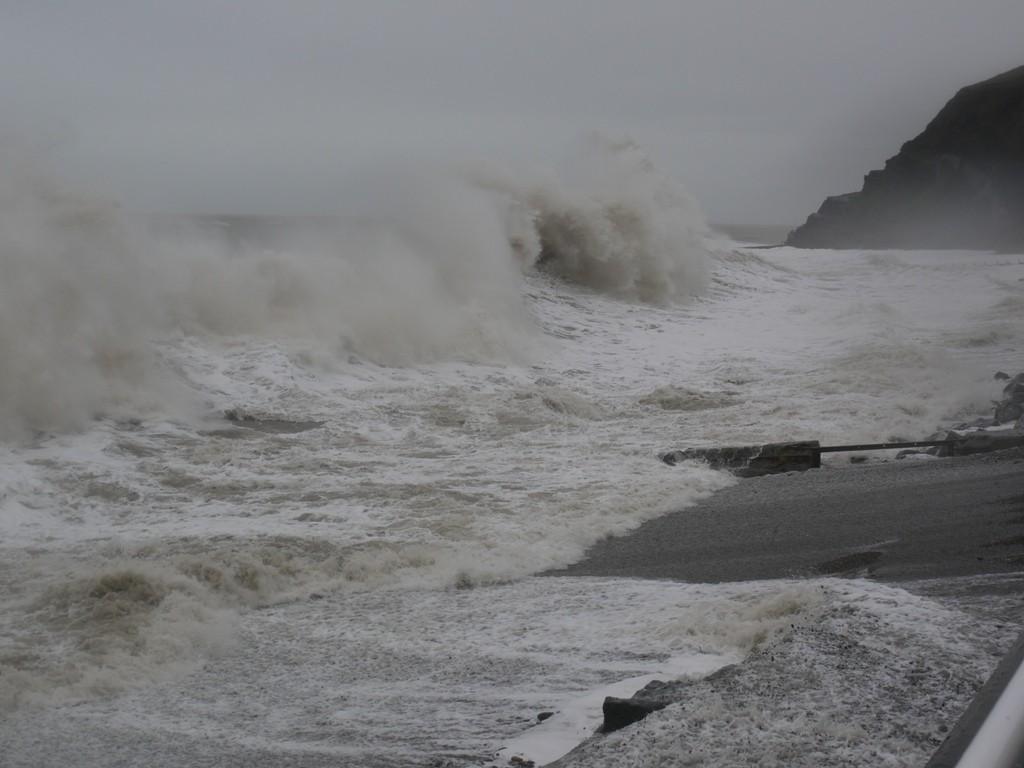 Huge waves break on the bath rocks