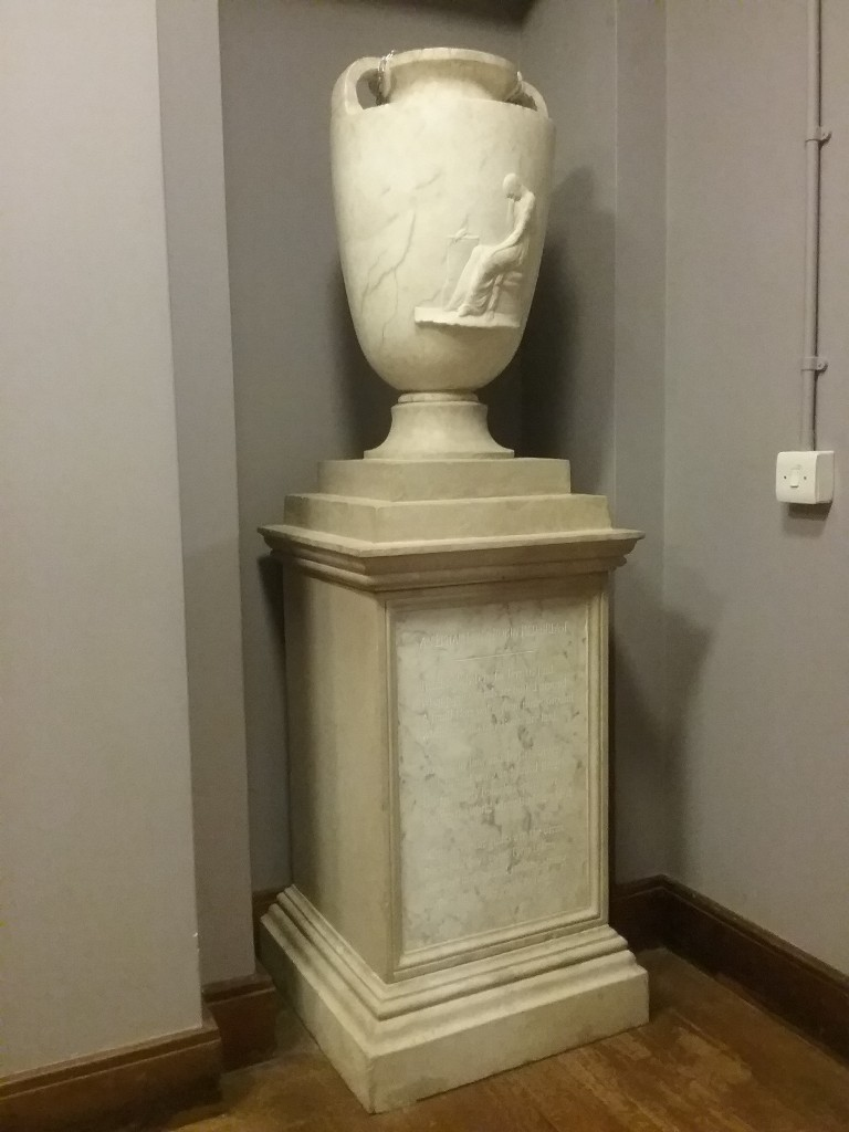 The RObin Urn by Thomas Banks, in a corridor in the National Library of Wales