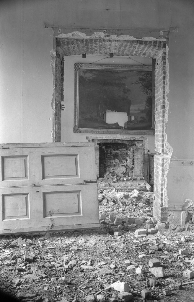 In the derelict Hafod mansion Edwin Smith / RIBA Collections